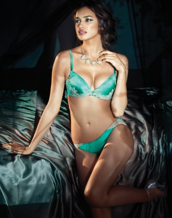 Irina Shayk hot in lingerie-11