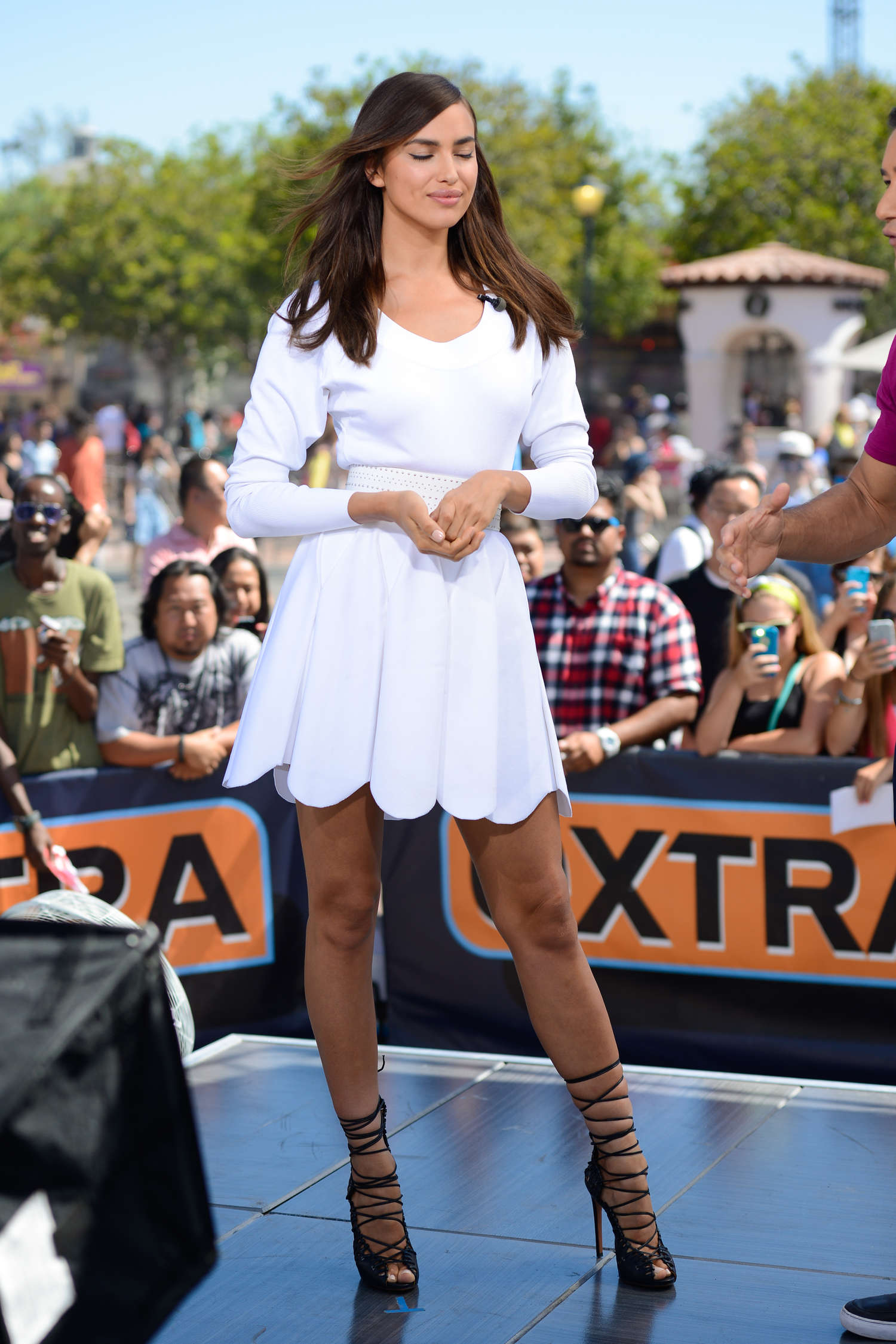 Irina Shayk 2014 : Irina Shayk in White Dress on Extra Set -43