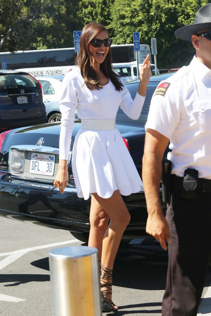 Irina Shayk 2014 : Irina Shayk in White Dress on Extra Set -45