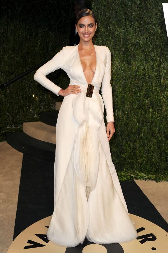 Irina Shayk – Oscar 2013 – Vanity Fair Party -03