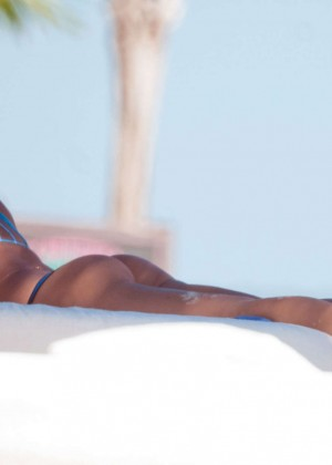 Irina Shayk bikini photos: 2014 in Mexico-17