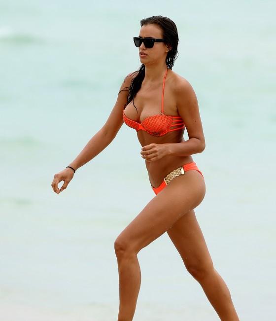 Irina Shayk: bikini in Miami 2013