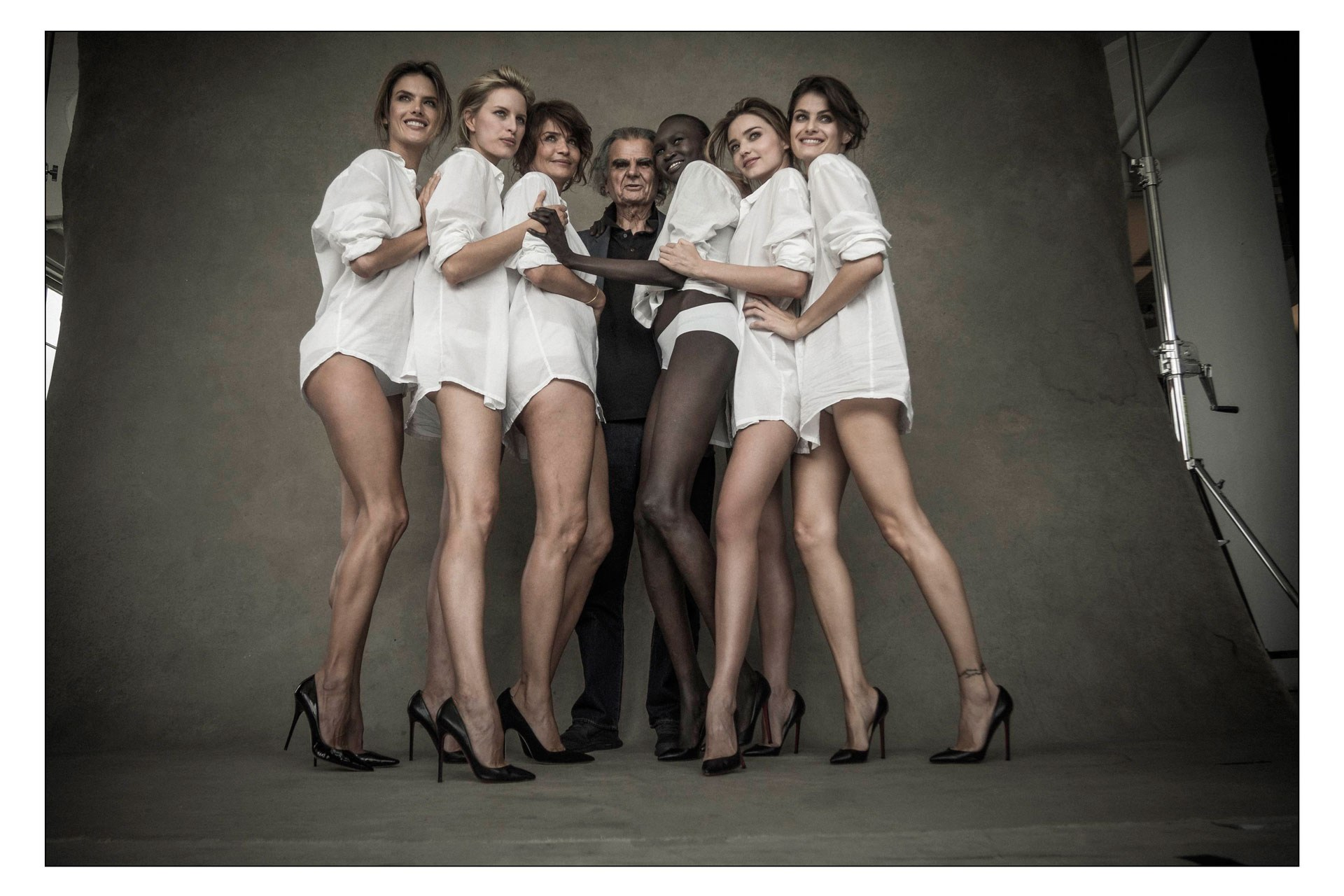 Back to post Isabeli Fontana – 2014 Pirelli Calendar Preview