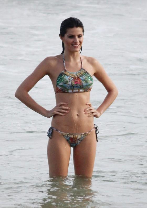 Isabeli Fontana in Bikini at the beach in Rio De Janeiro -04
