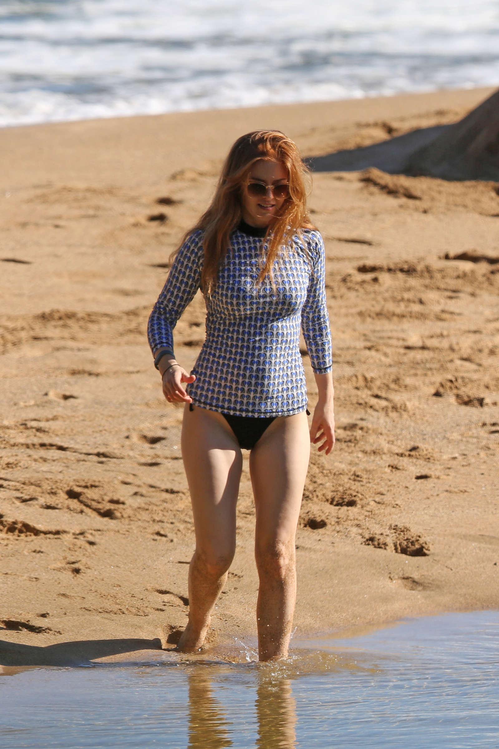Isla Fisher In Swimuits In Hawaii 47 Gotceleb