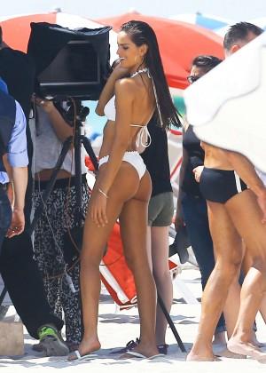 Izabel Goulart In Bikini -01