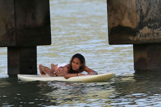 Jada Pinkett Smith in a white bikini in Hawaii -05