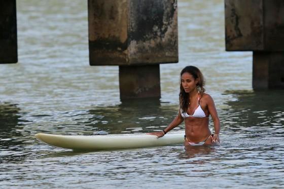 Jada Pinkett Smith in a white bikini in Hawaii -31