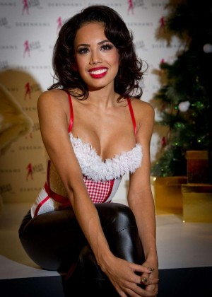 Jade Ewen - Miss Ultimo Photocall in London