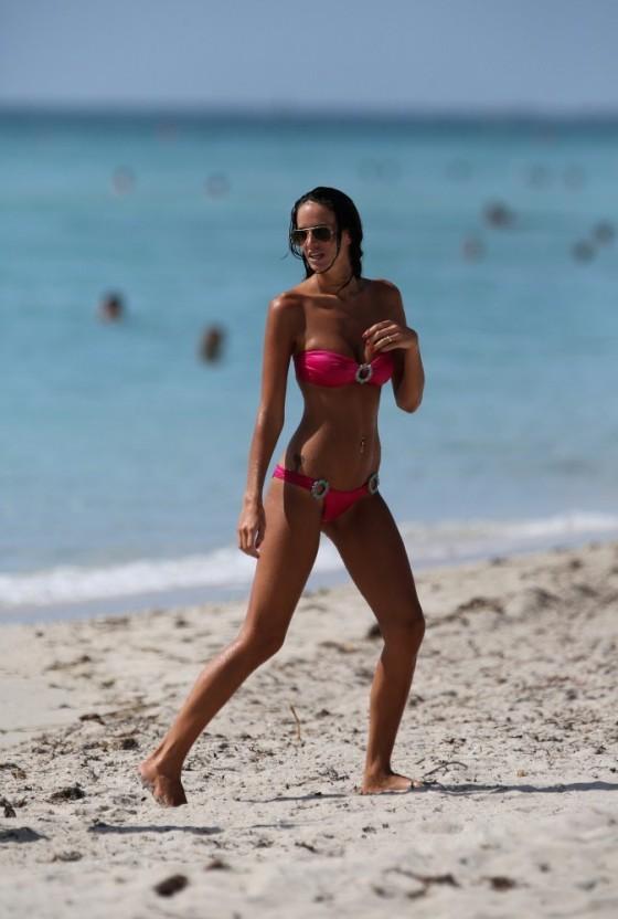 Jade Foret - Bikini Candids in Miami -09