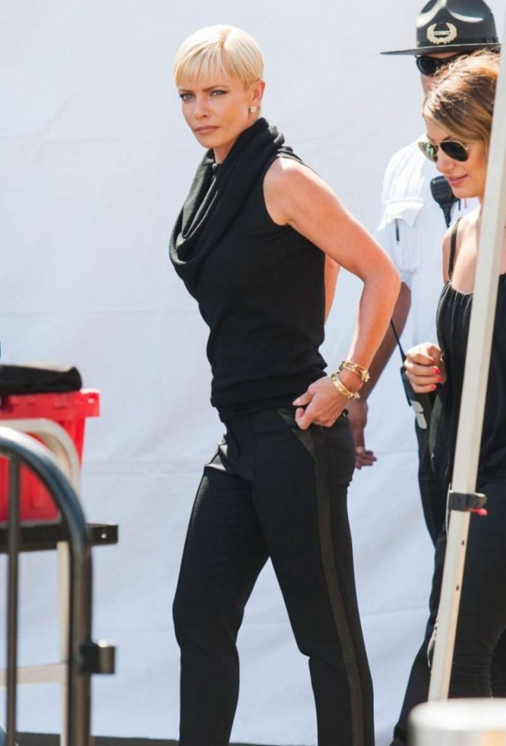 Jaime Pressly - Extra set in Universal City