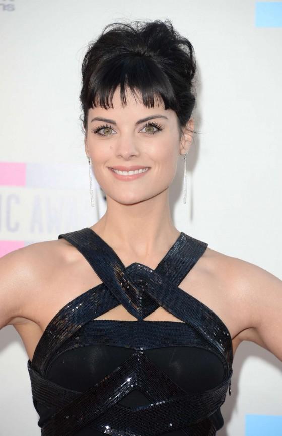 Jaimie Alexander – 2013 American Music Awards in Los Angeles