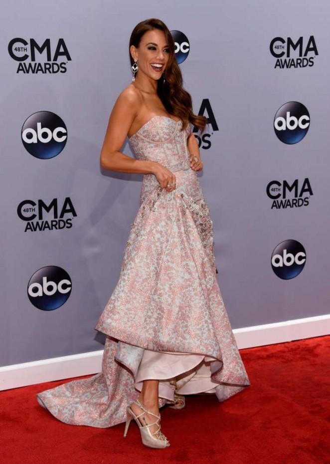 Jana Kramer: 2014 CMA Awards -01