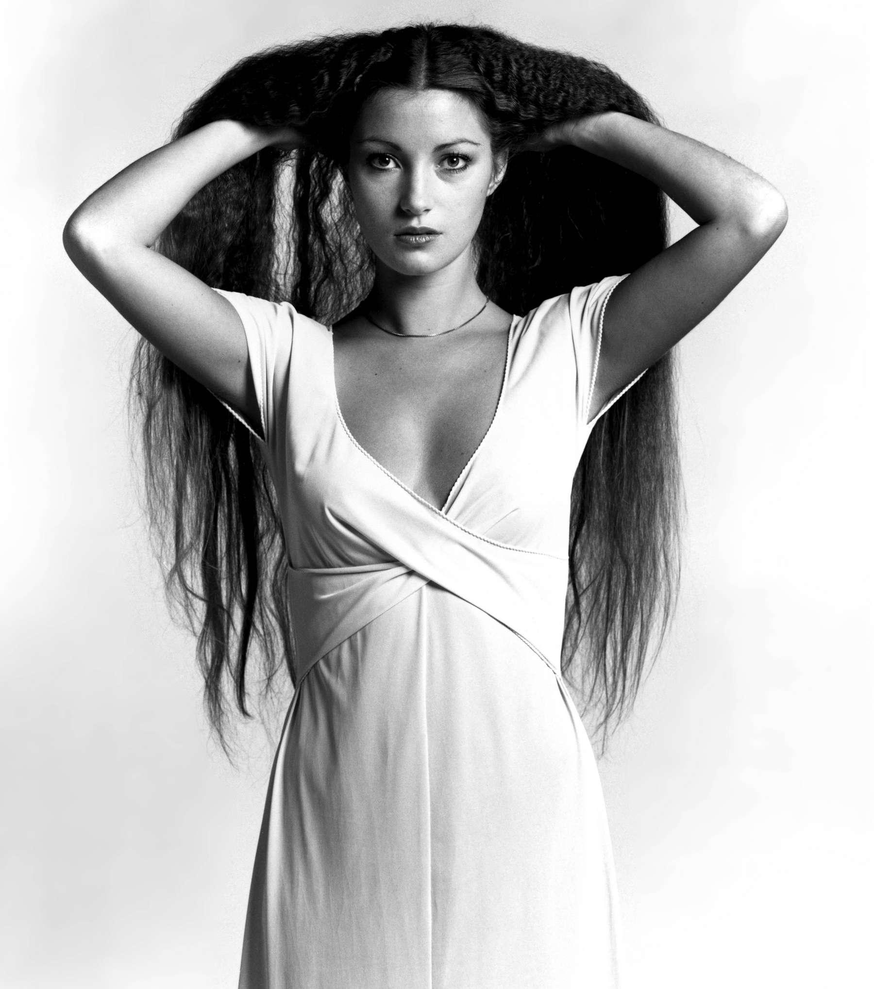Jane Seymour hot Photoshoot-06 - GotCeleb