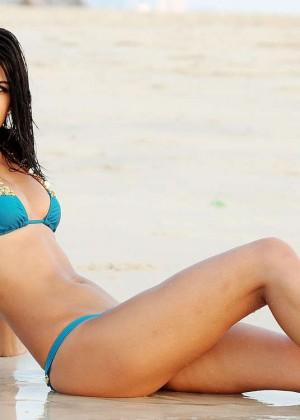 Jasmin Walia in Bikini -06