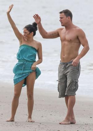 Jenna Dewan Tatum at a Beach with family in Savannah