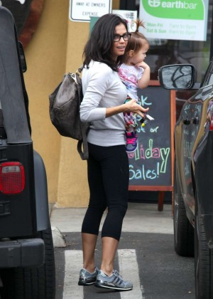 Jenna Dewan Tatum in Leggings - Leaves Earthbar in West Hollywood