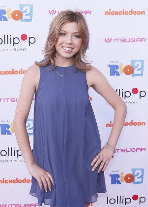 Jennette Mccurdy Night Under the Stars Rio 2 Premiere -16