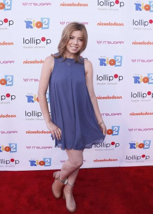 Jennette Mccurdy Night Under the Stars Rio 2 Premiere -17