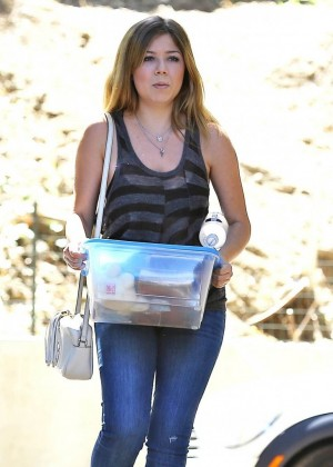 Jennette McCurdy in Jeans Out in Studio City