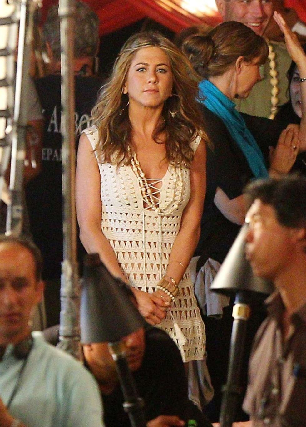 jennifer-aniston-on-set-of-just-go-with-it-in-maui-04 ... Jennifer Aniston Just Go With It Bikini