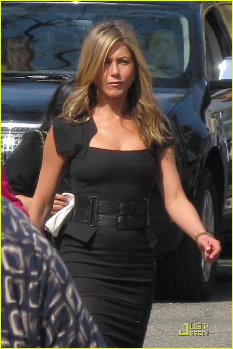 Jennifer Aniston Set Of Just Go With It 03 Gotceleb
