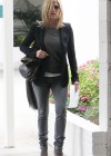 Jennifer Aniston - Tight Jeans-04
