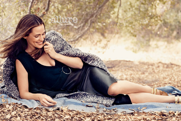 Jennifer Garner 2013 : Jennifer Garner – Allure – September 2013 -07