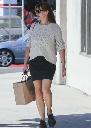 Jennifer Garner in Mini Skirt with Ben Affleck Shopping in LA
