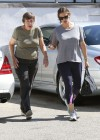 jennifer-garner-in-tights-leaves-the-gym-in-pacific-palisades-01