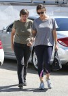 jennifer-garner-in-tights-leaves-the-gym-in-pacific-palisades-02