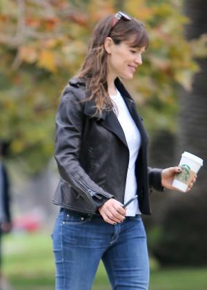 Jennifer Garner in Jeans out with a friend in LA