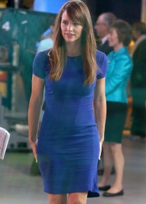 Jennifer Garner in Blue Dress - GMA at ABC studios in NYC