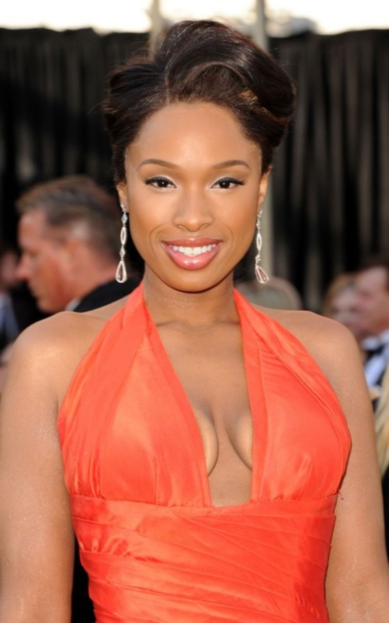 jennifer-hudson-2011-oscar-awards-arrival-02
