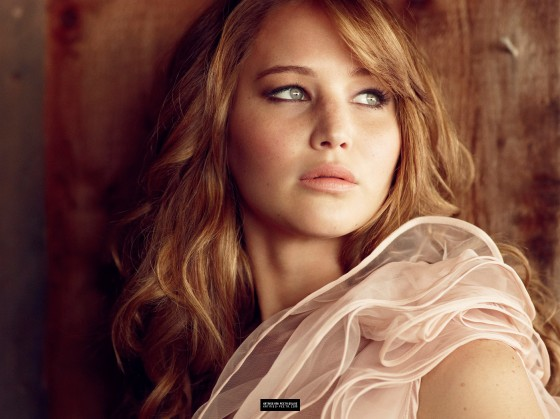 Jennifer%20Lawrence%20in%20sexy%20dress%20for%202012%20Glamour%20Magazine-06-560x419.jpg
