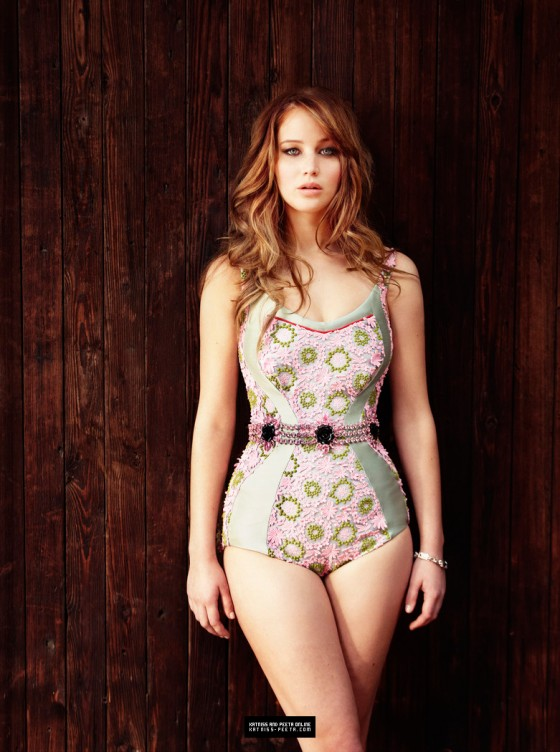 Jennifer%20Lawrence%20in%20sexy%20dress%20for%202012%20Glamour%20Magazine-12-560x752.jpg