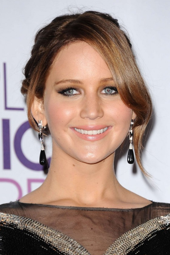 back to post jennifer lawrence 2013 peoples choice awards