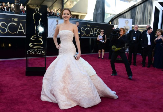 Jennifer Lawrence in in long white dress at Oscars 2013 -11