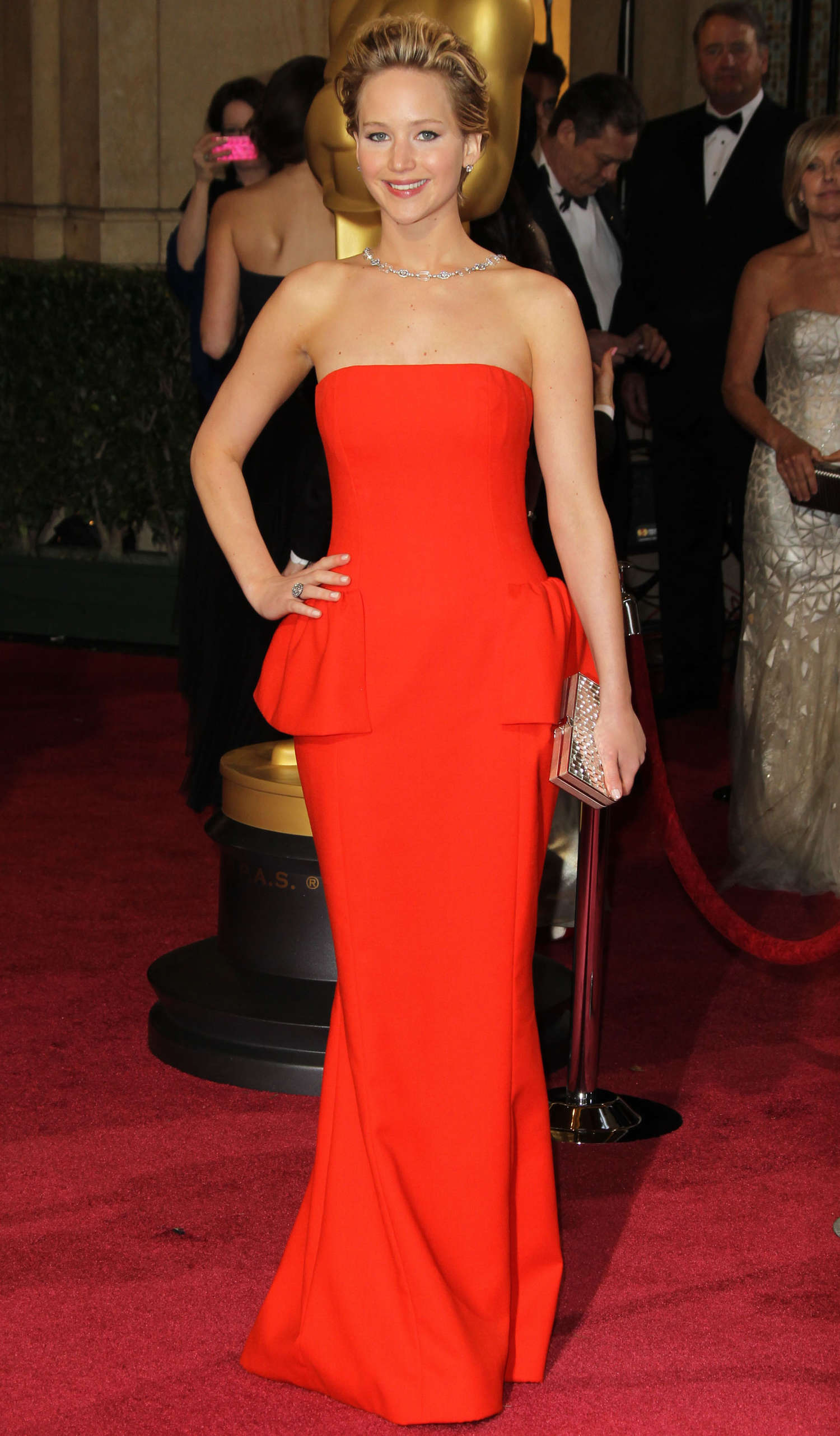 Jennifer lawrence oscars 2014 fall