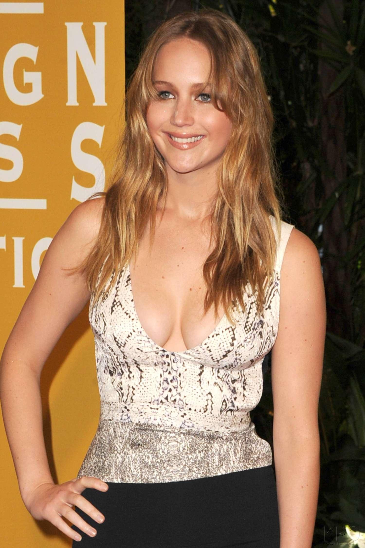 Jennifer Lawrence Hot Cleavage 16
