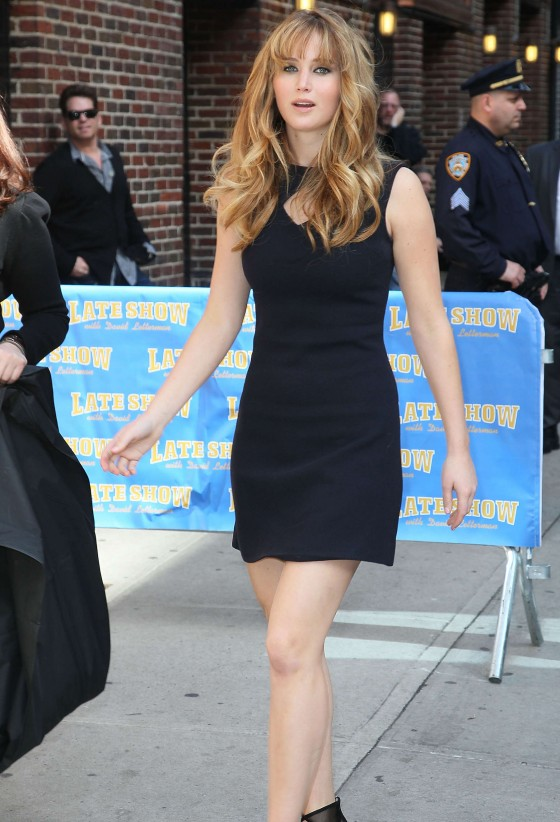 Jennifer Lawrence legs at the Late Show with David Letterman-08