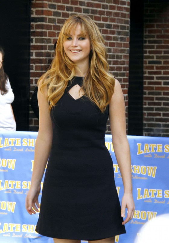 Jennifer Lawrence legs at the Late Show with David Letterman-09