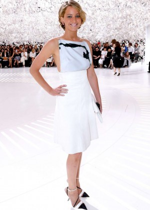 Jennifer Lawrence Paris Fashion Week 2014-31