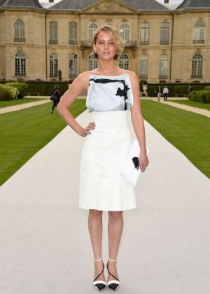 Jennifer Lawrence Paris Fashion Week 2014-32