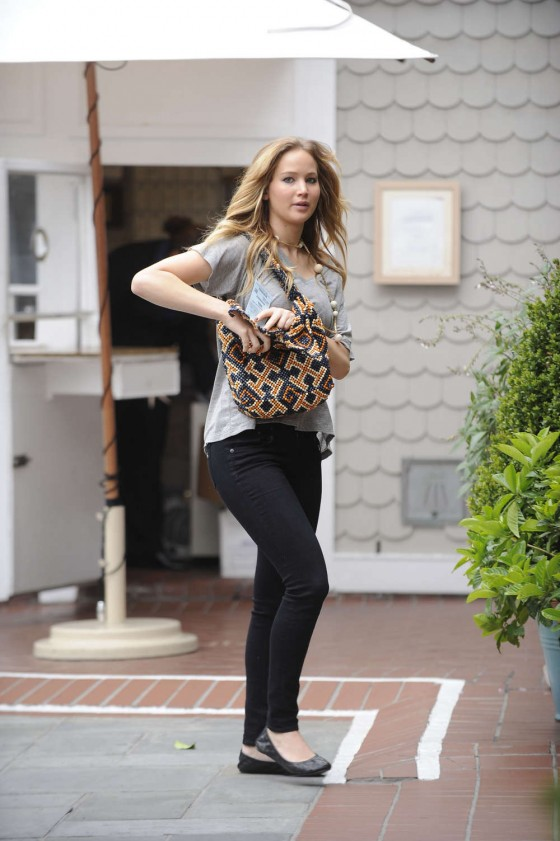 Jennifer Lawrence Goes To a Meeting in Tight Pants-13