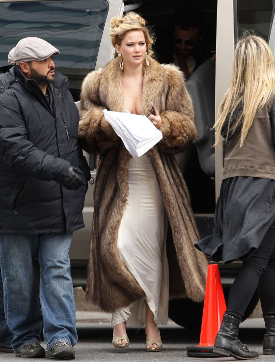 Jennifer Lawrence on the set of David O Russell movie in ...