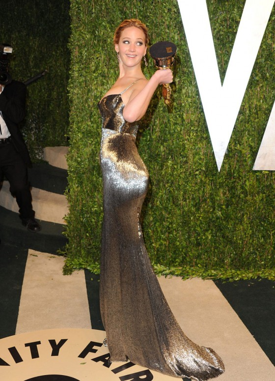 Jennifer Lawrence – Oscar 2013 – Vanity Fair Party -02