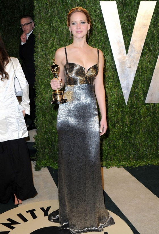 Jennifer Lawrence – Oscar 2013 – Vanity Fair Party -10