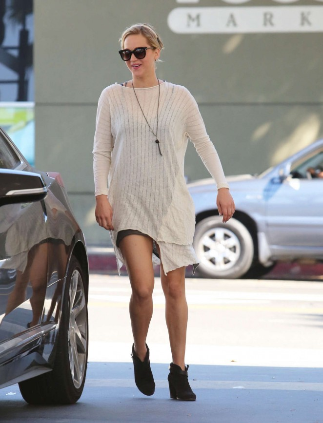 Jennifer Lawrence Leggy in Mini Dress -14