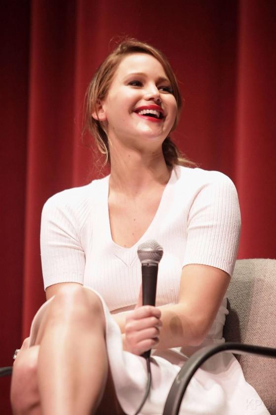 Jennifer Lawrence - Silver Linings Playbook screening in Los Angeles